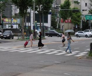 [포토] 서울시민, 갑작스런 빗방울에 발걸음 '분주'
